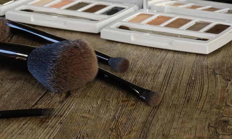 Cosmetics make up